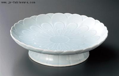 青白磁菊彫高台盛皿