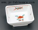 乳白赤絵花角小鉢