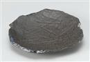 炭化土プラチナ流し彫込変形皿