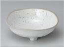 鉄粉引三つ足鉢
