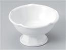 白磁梅型高台小鉢(大)