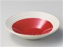 赤釉手彫ラインパスタ皿