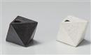 黒唐津幾何学型花瓶